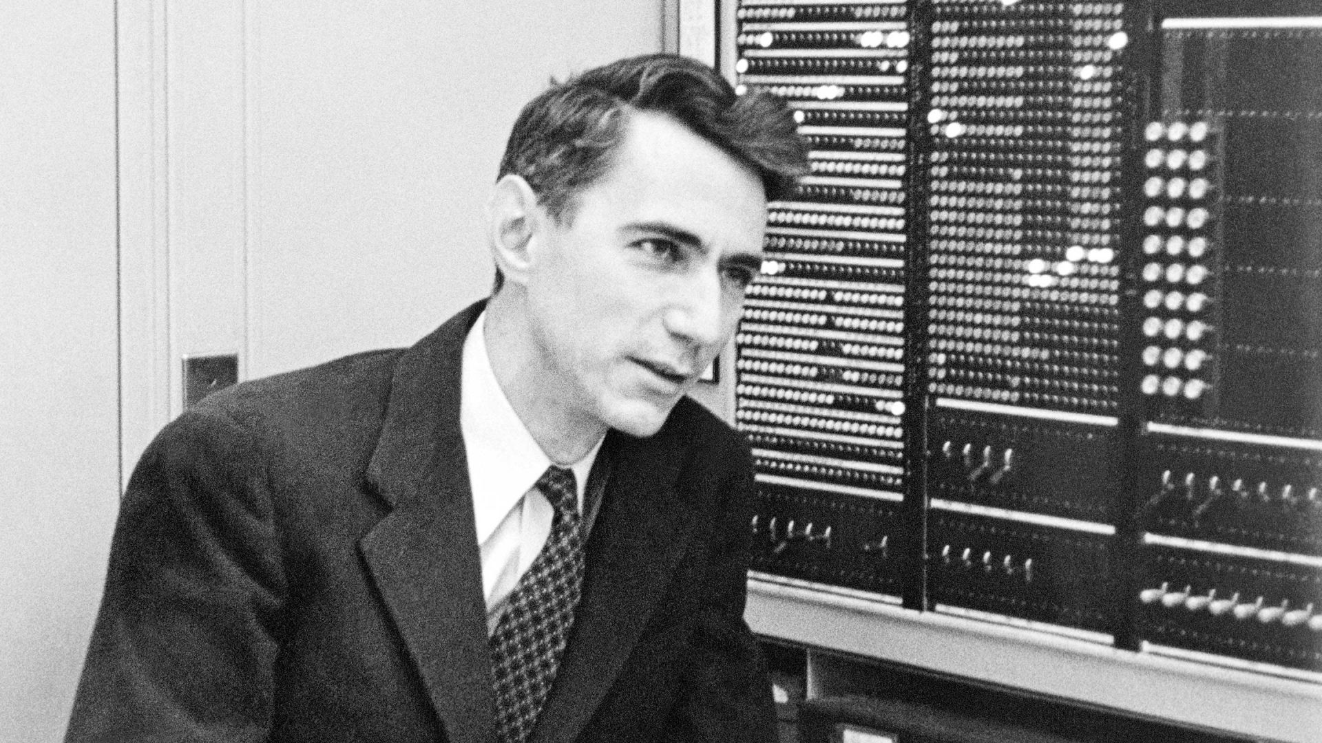 Claude Shannon - Estate of Francis Bello / Science Source